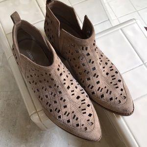 Gianni Bini laser-cut booties